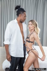Natalia Starr - Dream Hook Up (Thumb 06)