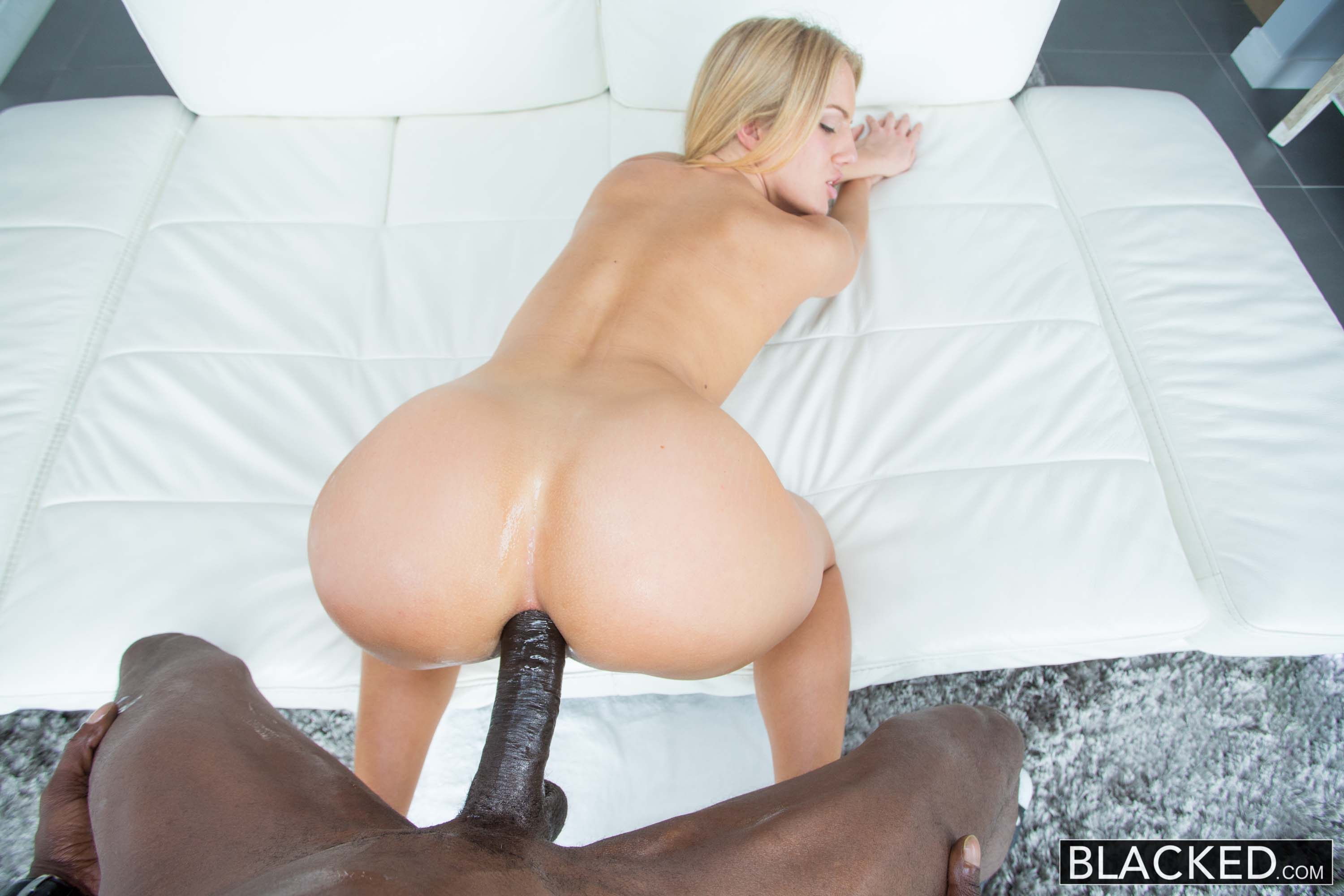 Hot blonde analyzed asshole and tasting huge cock