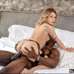 Charlotte Sins in 'Blacked' Fresh Cookies (Thumbnail 4)