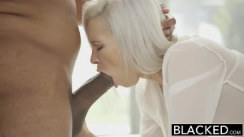 Kacey Jordan に 'Preppy Blonde Girlfriend Cheats with BBC!'